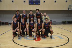 Facultad de Ingeniería se quedó con la copa en TIF 2018 de básquetbol hombres