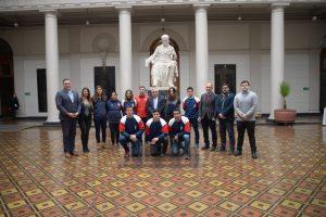 Autoridades reciben a deportistas universitarios que participaron en los Juegos Panamericanos Lima 2019